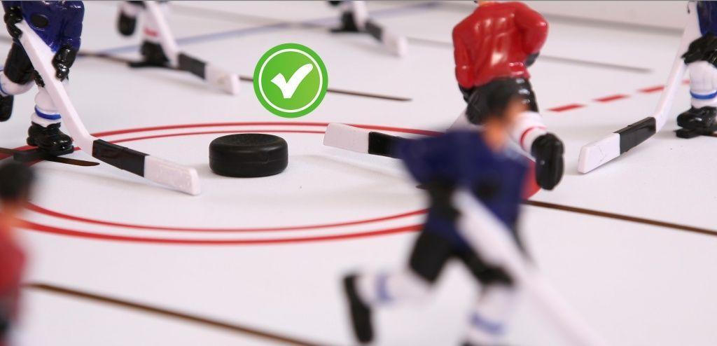 правильное игровое поле настольного хоккея
